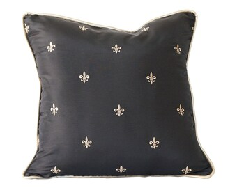 Fleur de Lis pillow cover, black gold pillow cover, New Orleans decor, French decor, black and gold decor, pillow cover black gold, Paris