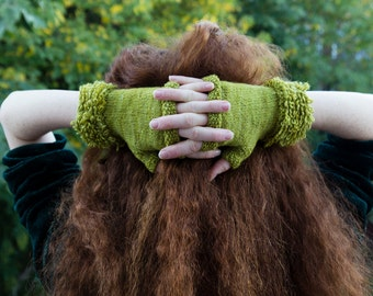 Skip to my Loop Cuffed Fingerless Gloves in Forest Green