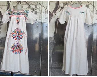 Vestito messicano anni 50.Ricamato a mano.Tg.S-M/1950s mexican cotton dress/Hand embroidered/Size M