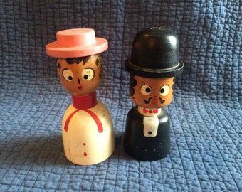 Vintage Man and Woman Salt and Pepper Shakers/Vintage Shakers
