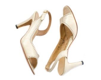 1970s cream sling back peep toe heels from DeLiso SIZE 7M
