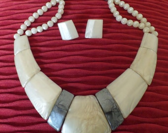 REDUCED ......Vintage Art Deco Lucite Necklace / Choker and Earrings