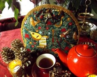 Christmas Tea Cosy with Musical Instruments, tea cozy, theemuts, Kersttheemuts