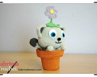 Crochet cat in flowerpot plush