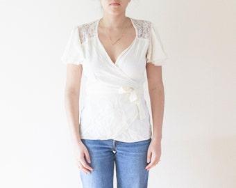 Vintage Cream Boho Blouse // Cream Wrap Blouse // Lace Boho Top // V Neck // White Blouse // Vintage Women's Clothing
