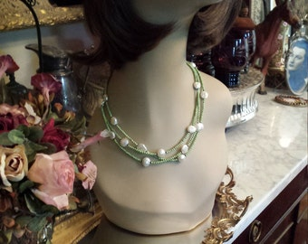 Green turquoise and freshwater pearl necklace
