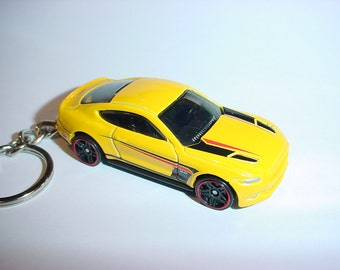 3D 2015 Ford Mustang GT custom keychain by Brian Thornton keyring key chain finished in yellow color trim diecast metal body