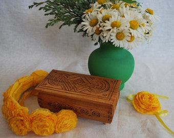 Wooden box Jewelry box Jewelry holder Wood carving