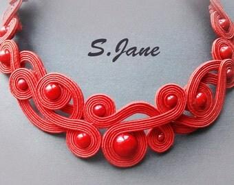 Red&Passionate! A soutache necklace