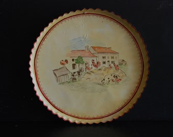 Vintage French flat pie dish or tart pan, painted and varnished  wall decoration. Naive farm scene. Farmhouse decor, French life, Vintage.