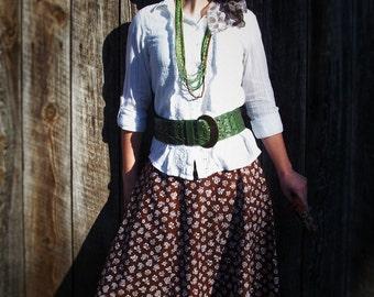 Full paneled skirt