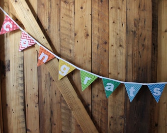 Garland pennants in felt, applied, custom, colors of your choice, Festival decoration, child's room, photo shoot.