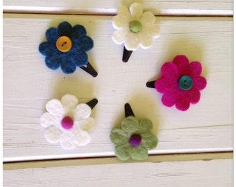 Set of 5 felted flower barrettes. Baby girl toddler barrettes, colorful felt barettes, felt clips, gift set, spring, hair clip barrettes, fe