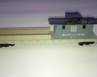 Vintage Lionel HO Scale Model Railroad Train 932 Santa Fe Maintenance Car Caboose