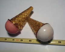 Sweet Ice cream cone plastic salt & pepper shakers , strwbry n van.