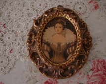 Stunning Vintage 16th Century QUEEN Crown-Corset-Collar Gown Gold Gilded COMPOSITION Plaster Lady PICTURE Boudoir Frame