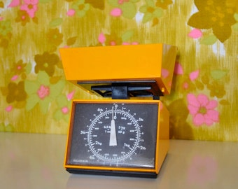 Zingy Orange Retro Kitchen Scales Grams and Ounces