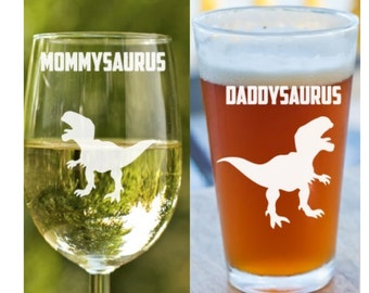 Gift for new parents~ New mom dad gift~ New parents gift~ Mommysaurus Daddysaurus~ Baby shower gift~ stemless wine glass