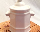 Vintage Pfaltzgraff Heritage White Sugar Bowl with Lid: Excellent Condition