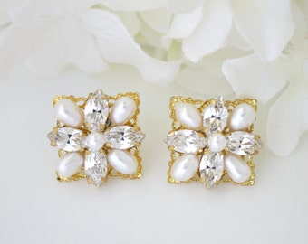 Gold square post wedding earring, Swarovski rhinestone and freshwater pearl bridal earring