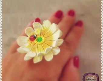 Daisy Ring/ Handmade Polymer Clay Daisy Ring