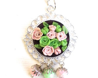 pendant bouquet of roses