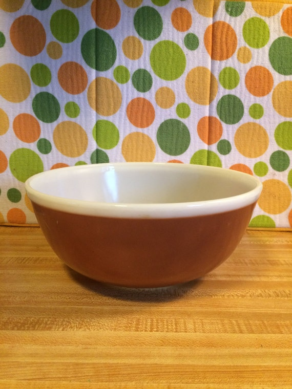 Pyrex #408 4 quart Chocolate Mixing Bowl