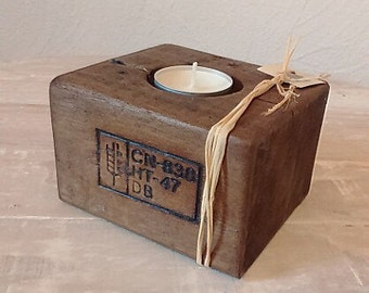Candle holder in wood
