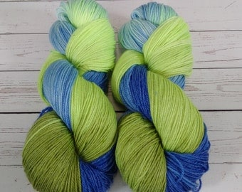 Bambrino Sock Yarn , Hand Dyed,  Merino Wool -  Bamboo - Nylon   SW  466 yd