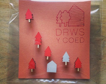 Cabin in the woods // Magnet set