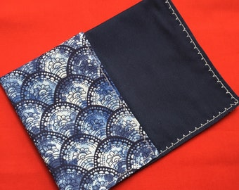 Scaled paisley