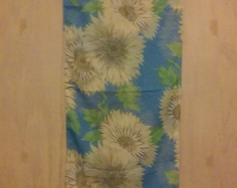 CLEARANCE was 37 now 18. 80s/90s NWT Country Boho Chic Sunflower Scarf