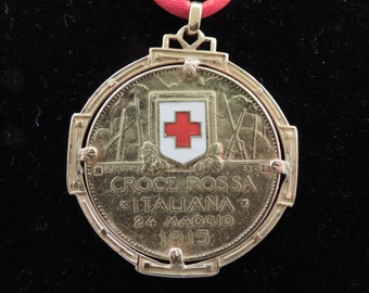 22 ct gold medal. The Italian Red Cross, 1915