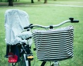 Bicycle basket cover for rain and snow
