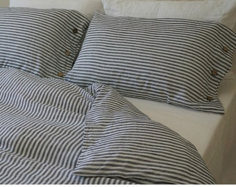 Navy and white striped duvet cover with wood buttons closure - Washed linen, queen duvet cover, king duvet cover, linen bedding