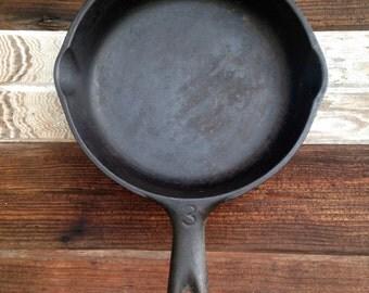 Vintage Vollrath Cast Iron Pan No 3
