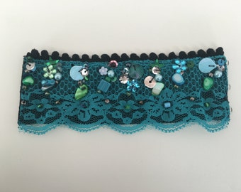Handmade Bracelet with trimmings and beads code BR008