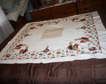 Rooster and chicken wire tablecloth