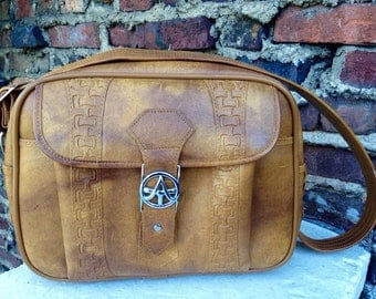 vintage american tourister travel bag cross body 70s caramel mustard brown yellow weekend overnight carry on classic hipster retro