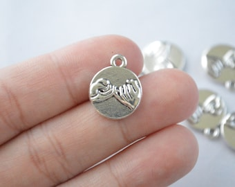 8 Pcs Hand and Hand Charms Antique Silver Tone 2 Sided 13x18mm - YD0669