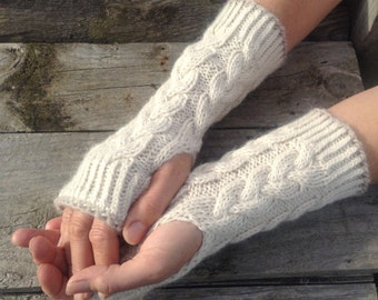 Ladies luxury cream pure alpaca cable mitten gloves by Willow Luxury ( one size)