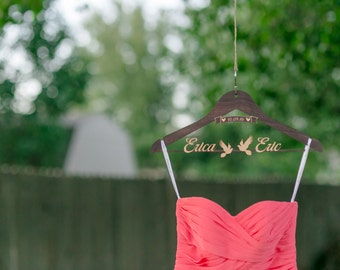 DOVES & RIBBON Personalized Wedding Hanger for Wedding Dresses, Fully customizable Hangers for any occasion.