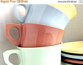 ON SALE Vintage Melamine Teacup/Saucer Set, Retro Melamine Teacups, Retro Kitchen, Melamine Teacup/Saucer, Vintage Melamine, Boonton Melamin