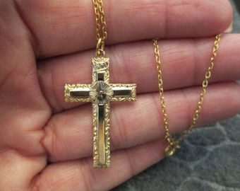SALE>>>Beautifully etched Gold CROSS necklace, vintage 1970, new old stock