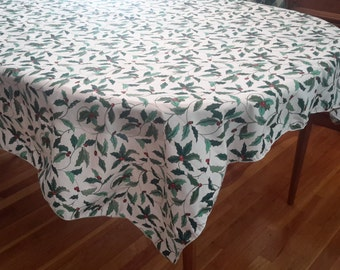 Vintage Rectangular Christmas Holly Tablecloth, holly berry, Christmas, Christmas decor, shabby chic, cottage chic, holiday tablecloth, gift