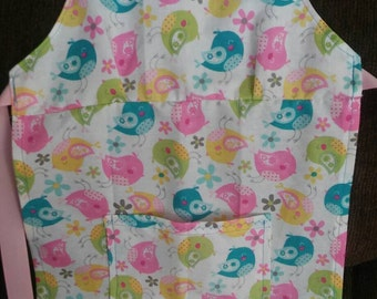 Little girls apron with front pocket