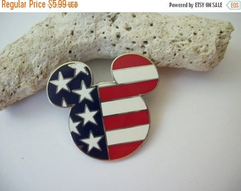 ON SALE Vintage Red White Blue Mouse Stick Pin 61916