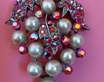 Vintage Flower Brooch Set With Faux Pearls And Red Rhinestones