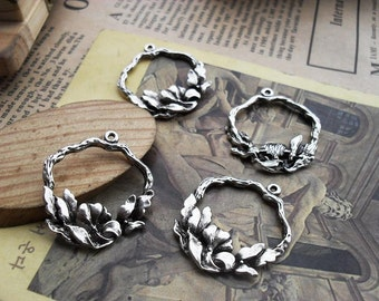 20 Flower Charms Antique Silver Tone  - WS175