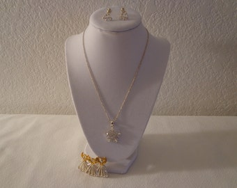 Classy Vintage Snowflake Necklace, Earrings and Brooch